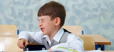 Apa Penyebab Mata Anak Sering Berkedip