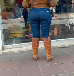Mujeres traseros redondos jeans bolsas