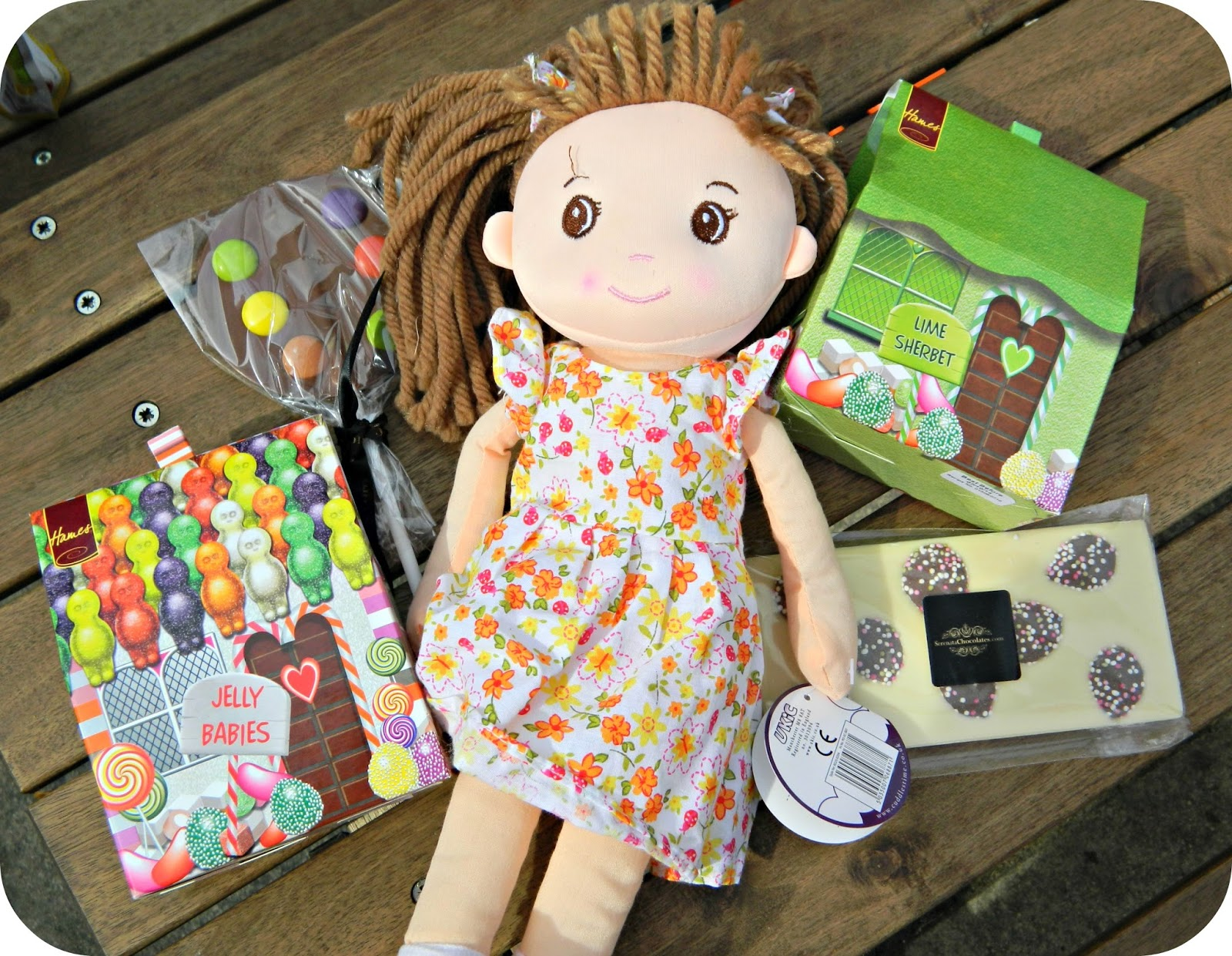 Serenata Hampers Sweet Rag Doll Gift Box
