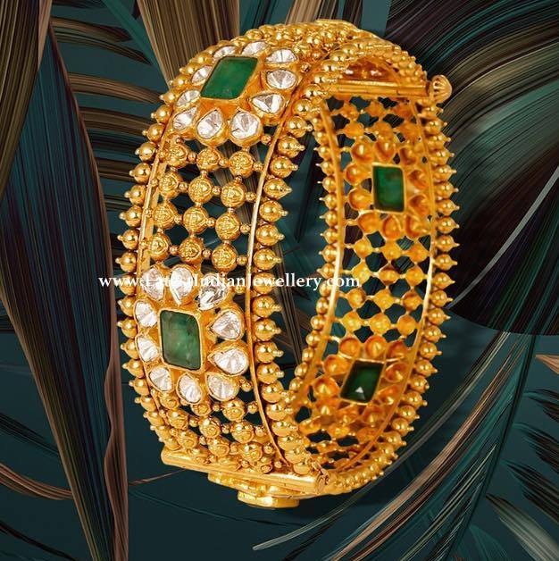 Exquisite Uncut Broad Bangle