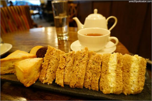 Sandwiches de Huevo y Cangrejo del Bosie Tea Parlor en Nueva York