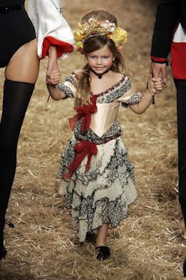 Thylane Blondeau, 4 ans, au défilé de Jean-Paul Gaultier 2006