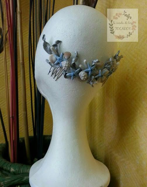 peineta artesanal de novia realizada en porcelana fria con detalles de mar