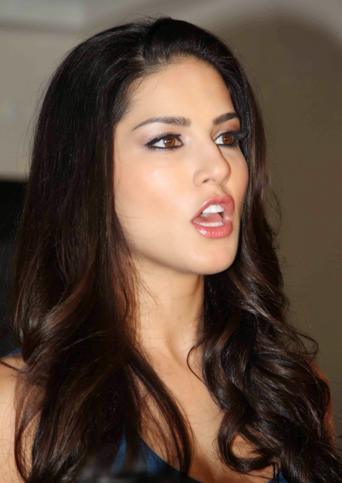 High Quality Bollywood Celebrity Pictures Sunny Leone -6604