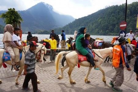 naik kuda di wisata magetan sarangan