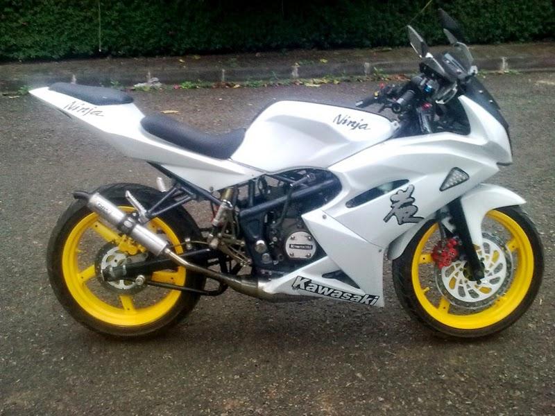 Modifikasi Ninja 150 Rr  Modifikasi Motor Kawasaki Ninja Warna PutihNyuBull  CN. Modifikasi Motor Ninja Rr Warna Hitam