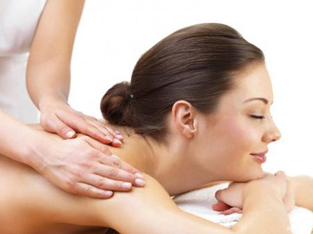 Hướng dẫn massage toàn thân cho bạn gái
