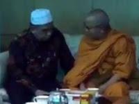 Akui Kehebatan Al Qur'an, Akhirnya Biksu Terkenal di Thailand Memeluk Agama Islam