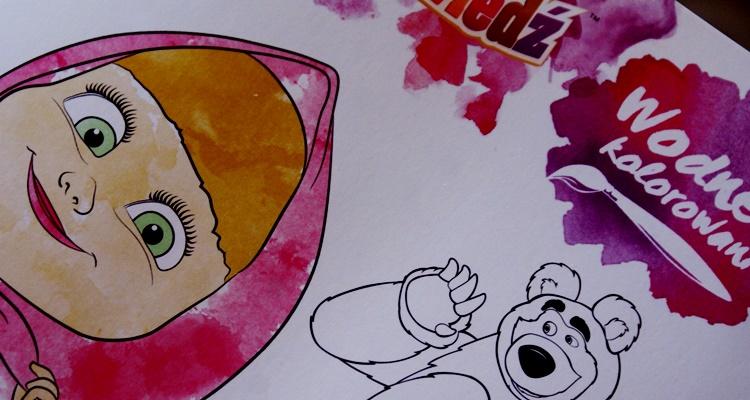 Masza i Niedźwiedź. Wodne kolorowanie dla dzieci