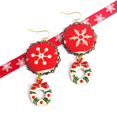 Boucles d'oreilles flocon de neige et couronne de noël