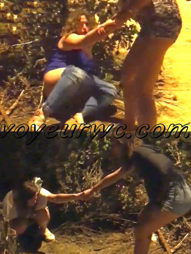 Girls Gotta Go 53 (Spanish drunk girls pee in a public place)