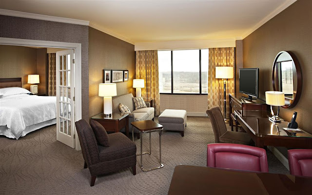 Reserve a stay at the Sheraton Wilmington South Hotel with free Wi-Fi in New Castle to help you stay connected and make traveling easier.