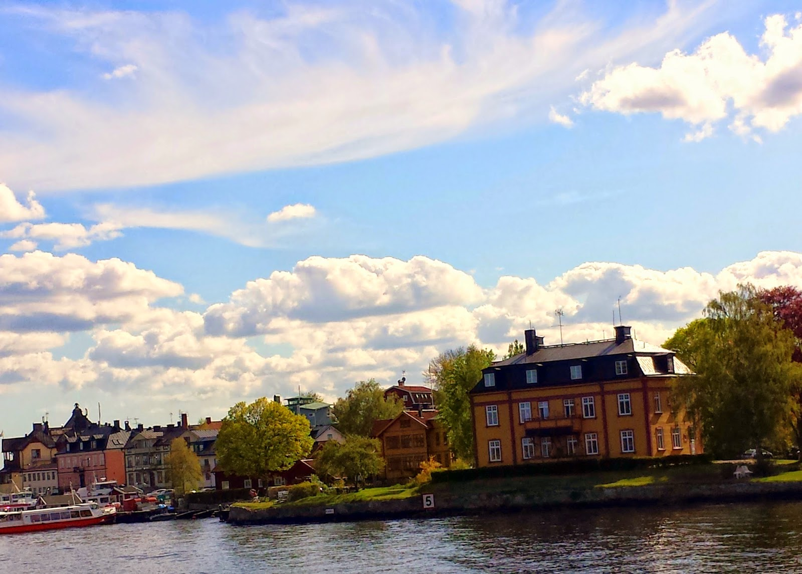 Vaxholm  |  First Swedish archipelago visit: a daytrip to Grinda on afeathery*nest  |  http://afeatherynest.blogspot.com