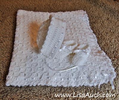 free crochet patterns- free baby set crochet patterns-crochet patterns free-baby cardigans-baby BLANKET-BONNET-BOOTIES