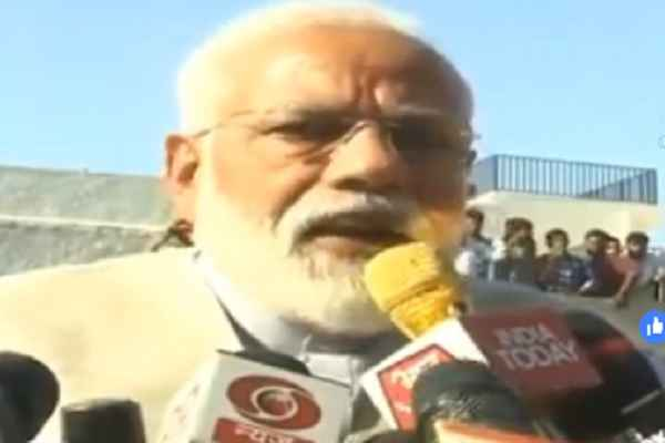 pm-narendra-modi-appeal-to-vote-in-ahmedabad-ranip-booth-news