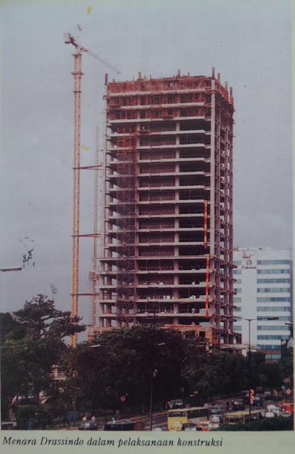 Menara Saidah saat dibangun 1997