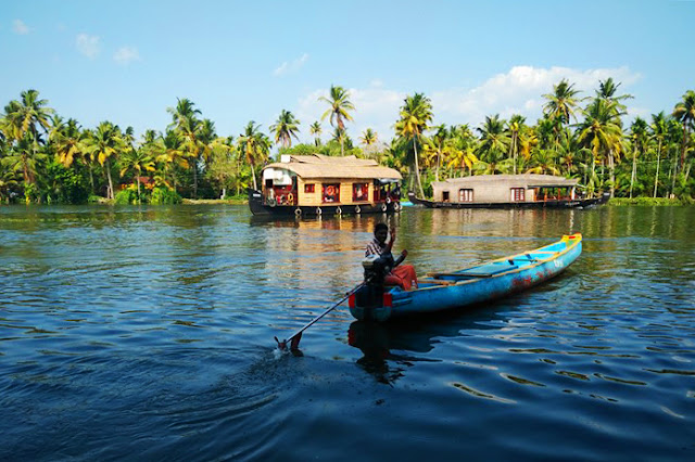 houseboat backwater allepy kerala travel blog