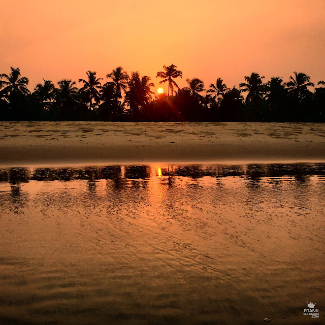 amanecer en playa de kerala india