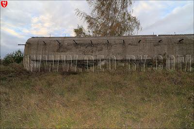 'Форт' Слуцкого укрепрайона у деревни Выня. Полукапонир №19. Амбразуры