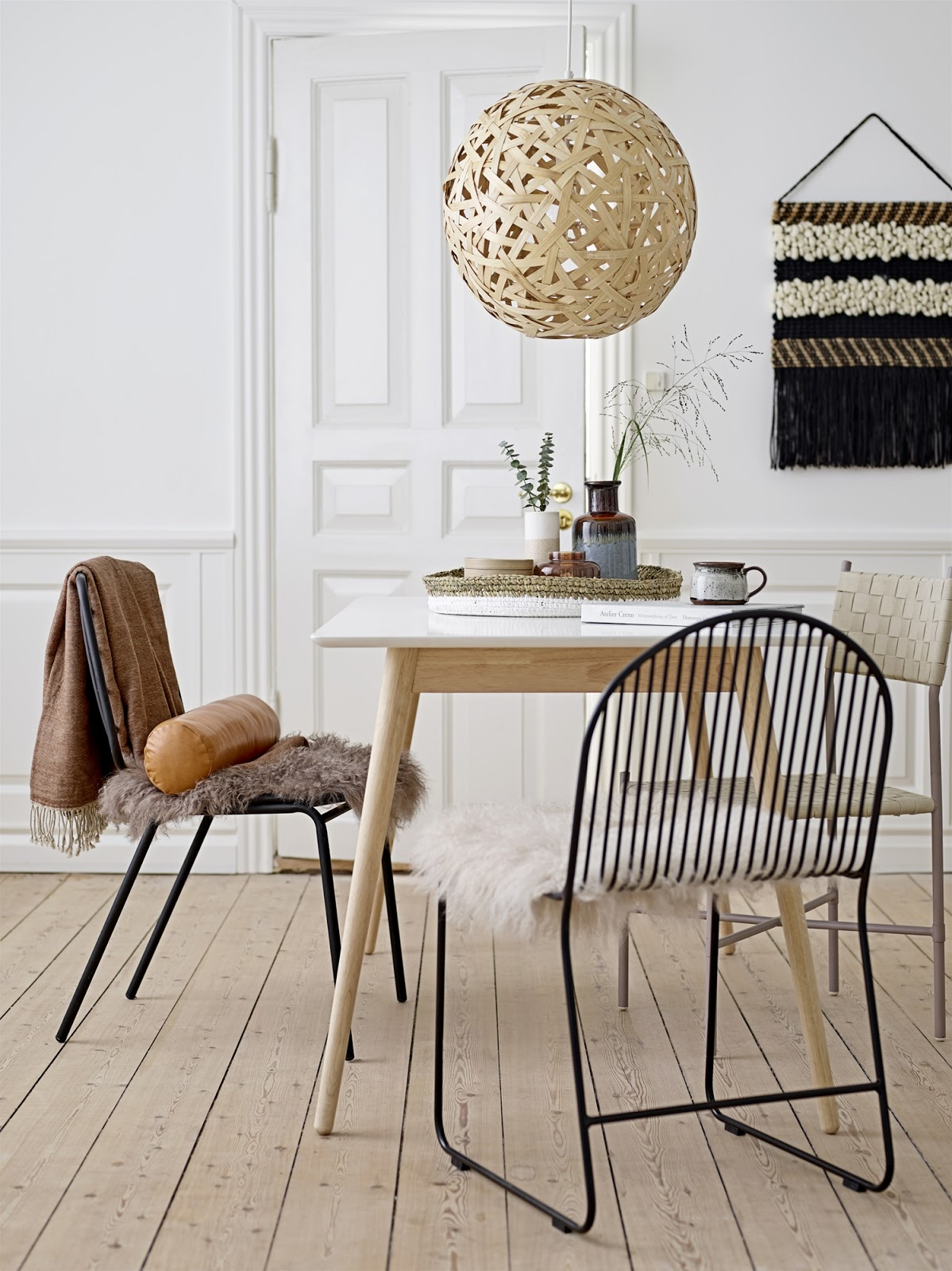 A new creation from Bloomingville the Friend Dining Chair features a fine metal frame with an arch back and a playful shape. & Friend Dining Chair by Bloomingville | CRUZEIRO DO TEJO