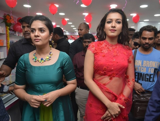 Catherine Tresa and Sreemukhi inaugurates Bnew Mobile store at Guntur