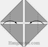 Bước 3: Gấp hai cạnh tờ giấy vào trong.