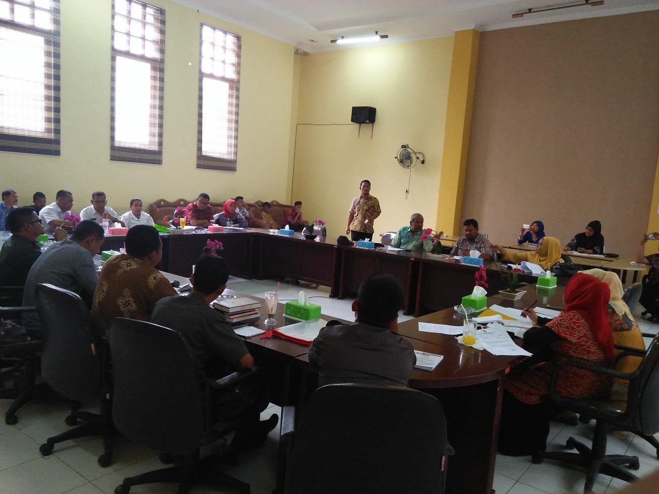 Rapat di kantor DPRD Tanjungbalai