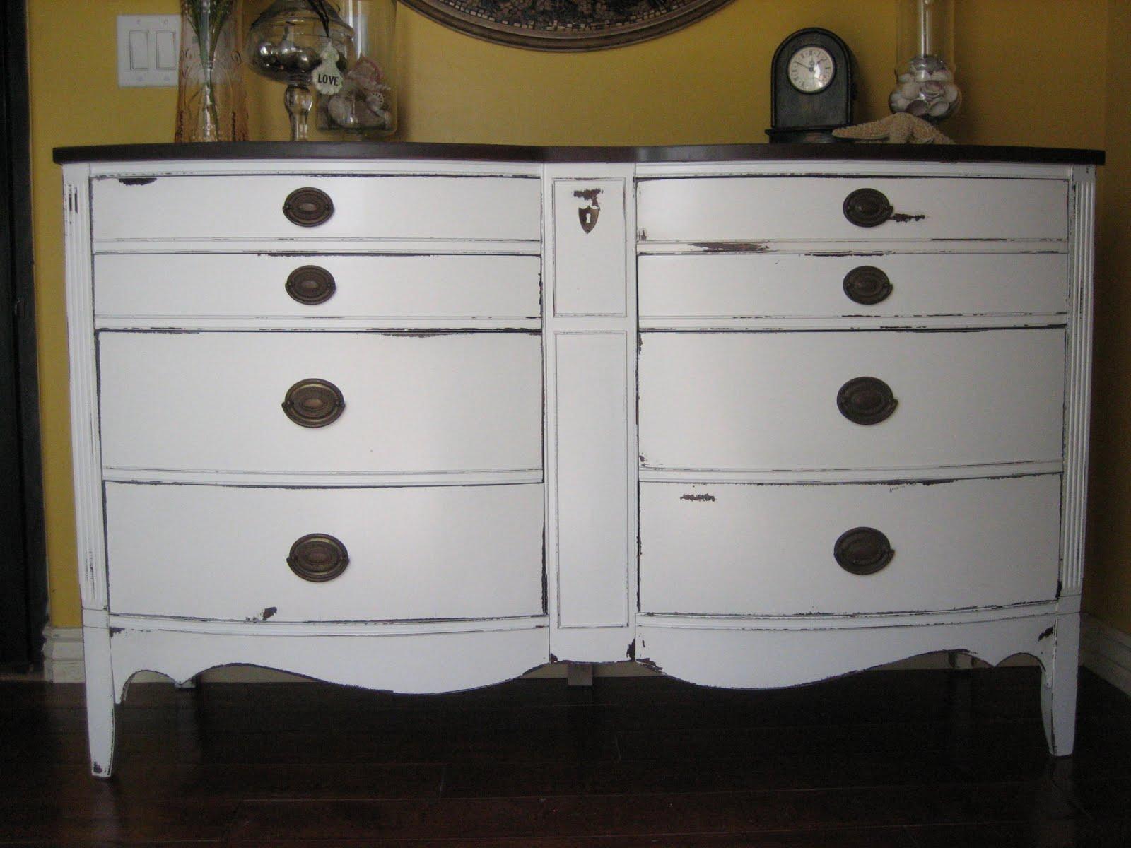 European Paint Finishes Bowed White Dixie Dresser