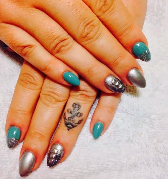 acrylic cusp nails; led polish