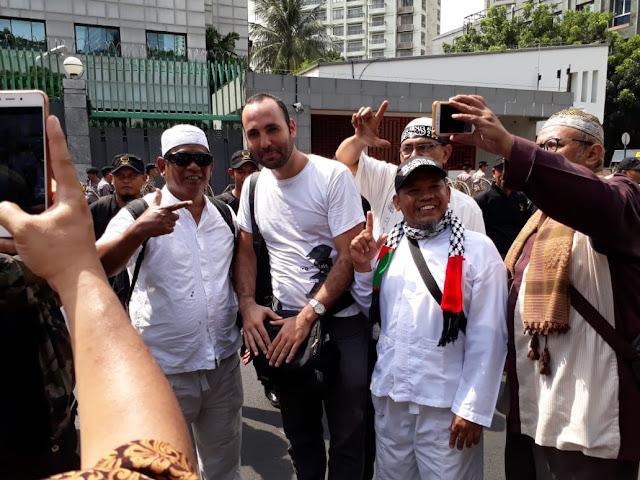Demo di Kedubes China, Peserta Aksi Minta Jokowi Jangan Pencitraan Melulu