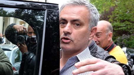 ngày ký hợp đồng với HLV Mourinho