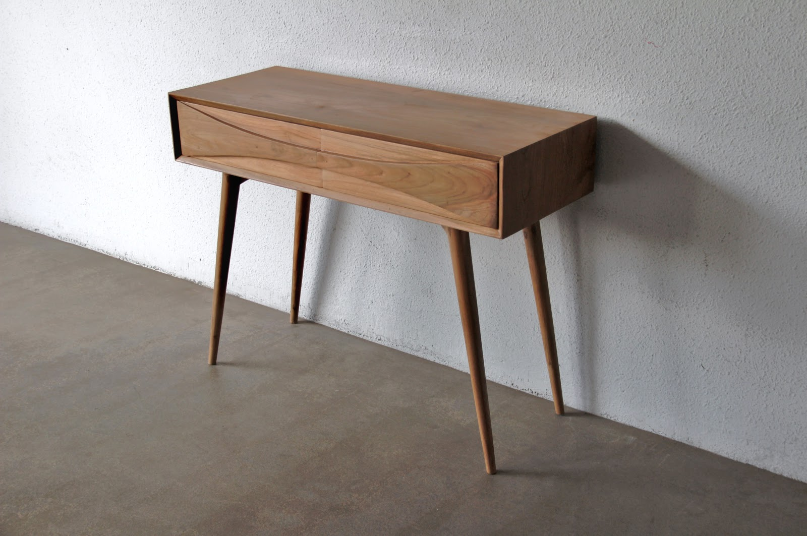 BUAT TESTING DOANG: Ashley Furniture Mid Century Modern