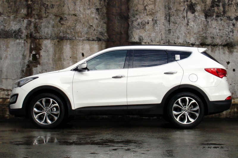 Review: 2013 Hyundai Santa Fe 2WD & 4WD | Philippine Car