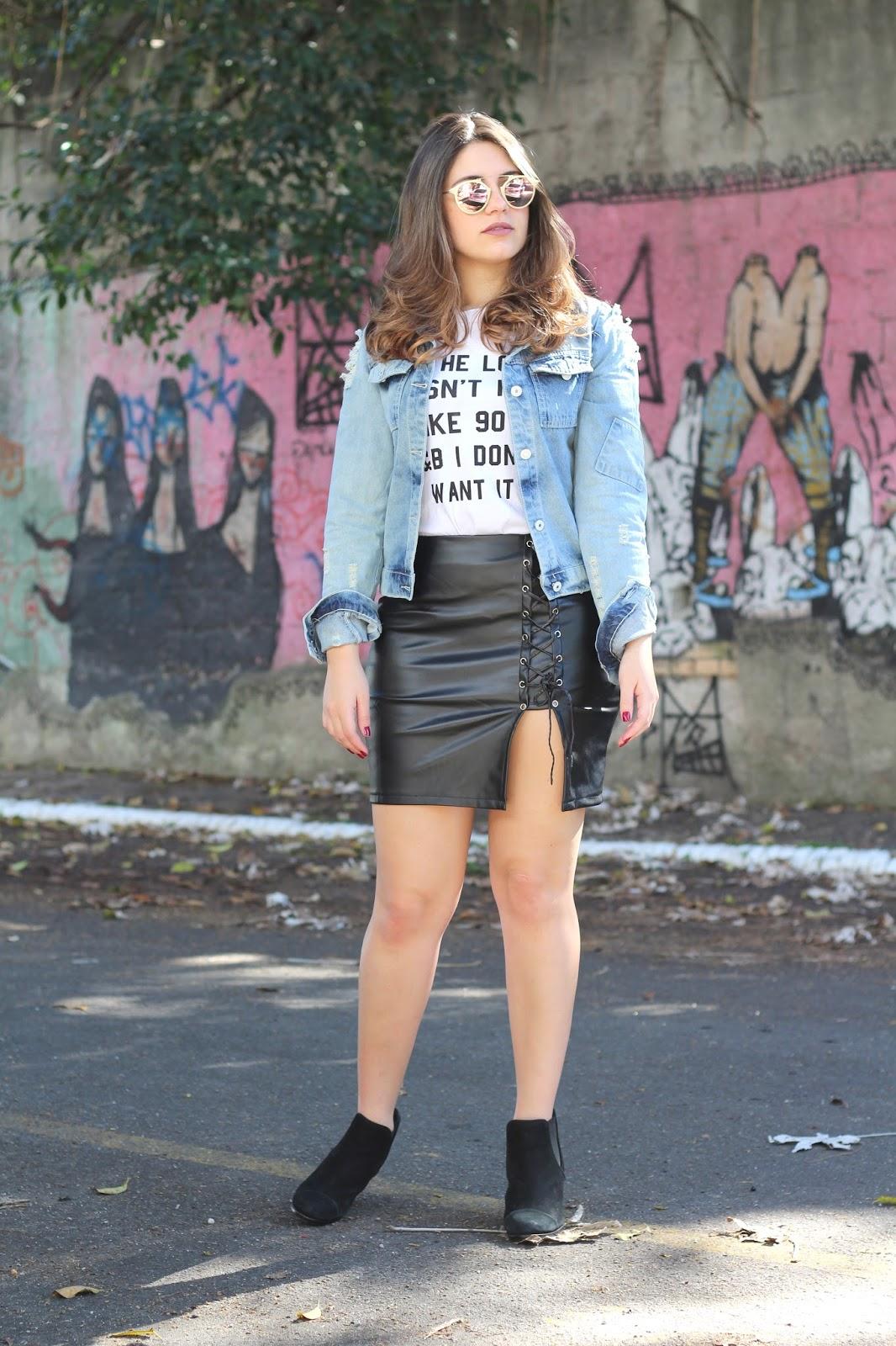Look do dia Ana do dia jaqueta jeans saia de couro lovelywholesale