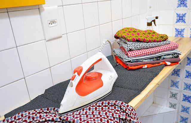 """Aprenda a costurar uma """"tábua"""" de passar roupas portátil!"""