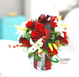 Floral arrangement for Christmas Saigon