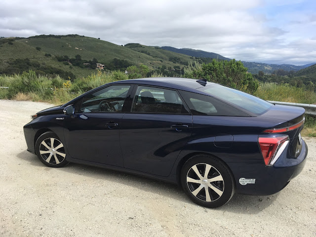 Side view of 2017 Toyota Mirai