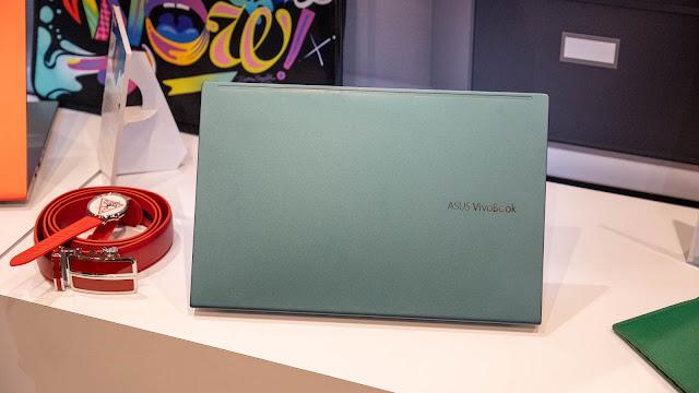 VivoBook S 的配色採用相當年輕化的設計