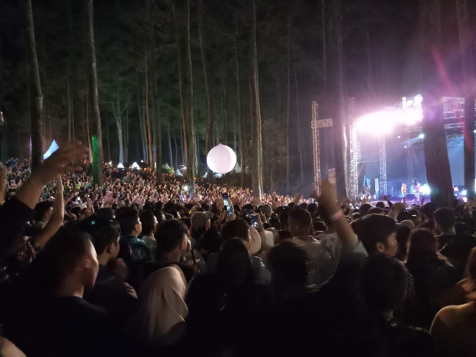 Lalala Fest 2019 Syahdu Hujan Hujanan Bersama Crush Dan