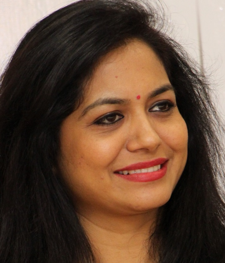 Telugu Singer Sunitha Latest Oily Face Close Up Photos