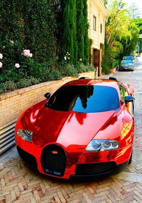 auto color rojo hermoso