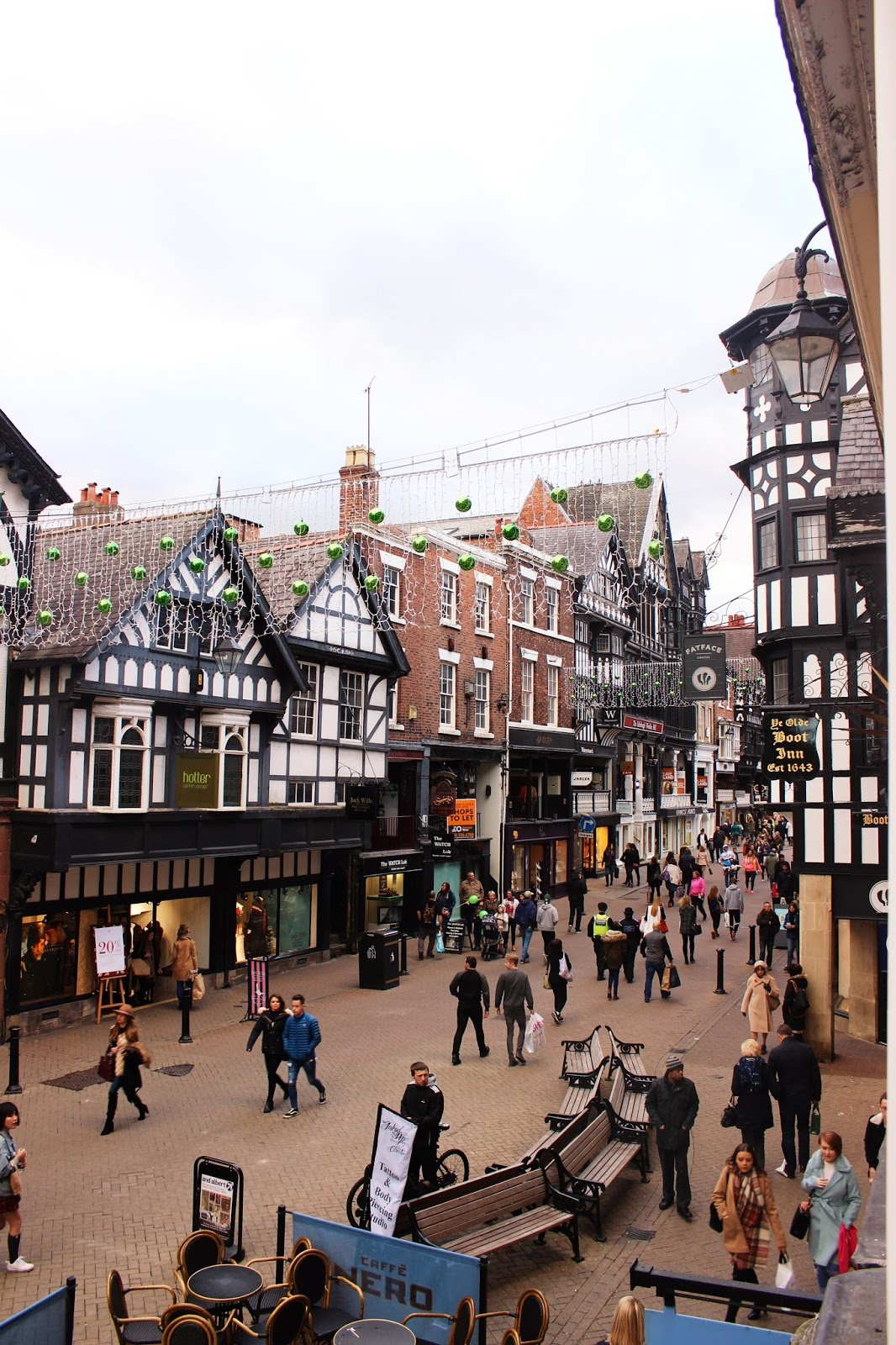 A Chester Travel Guide