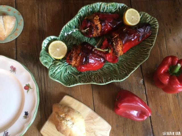 pimientos-rojos-rellenos-de-arroz-hecho-al-horno