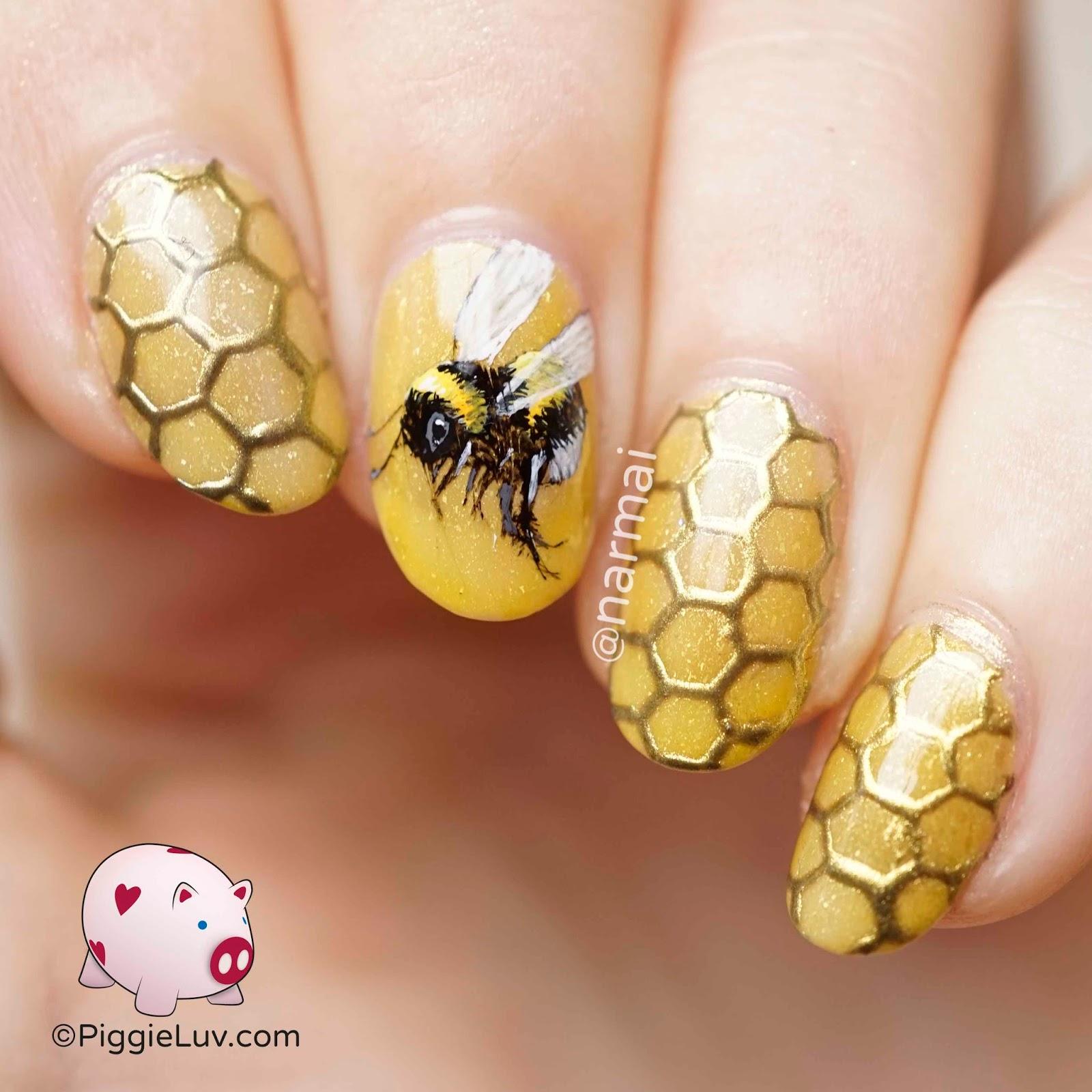 PiggieLuv: Honeybee chrome nail art