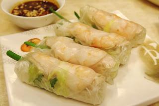 Dong Ba Vietnamese rice paper rolls