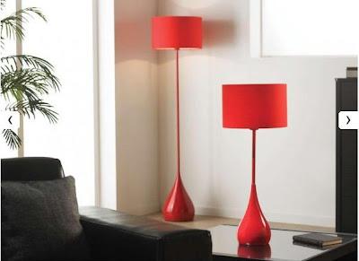 bonnes affaires d co pourquoi pas un lampadaire en m tal rouge pas cher pour apporter un plus. Black Bedroom Furniture Sets. Home Design Ideas
