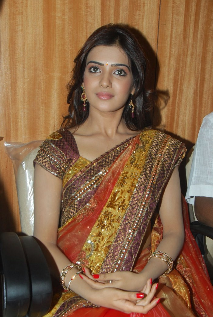 Samantha Hot Images In Red Saree