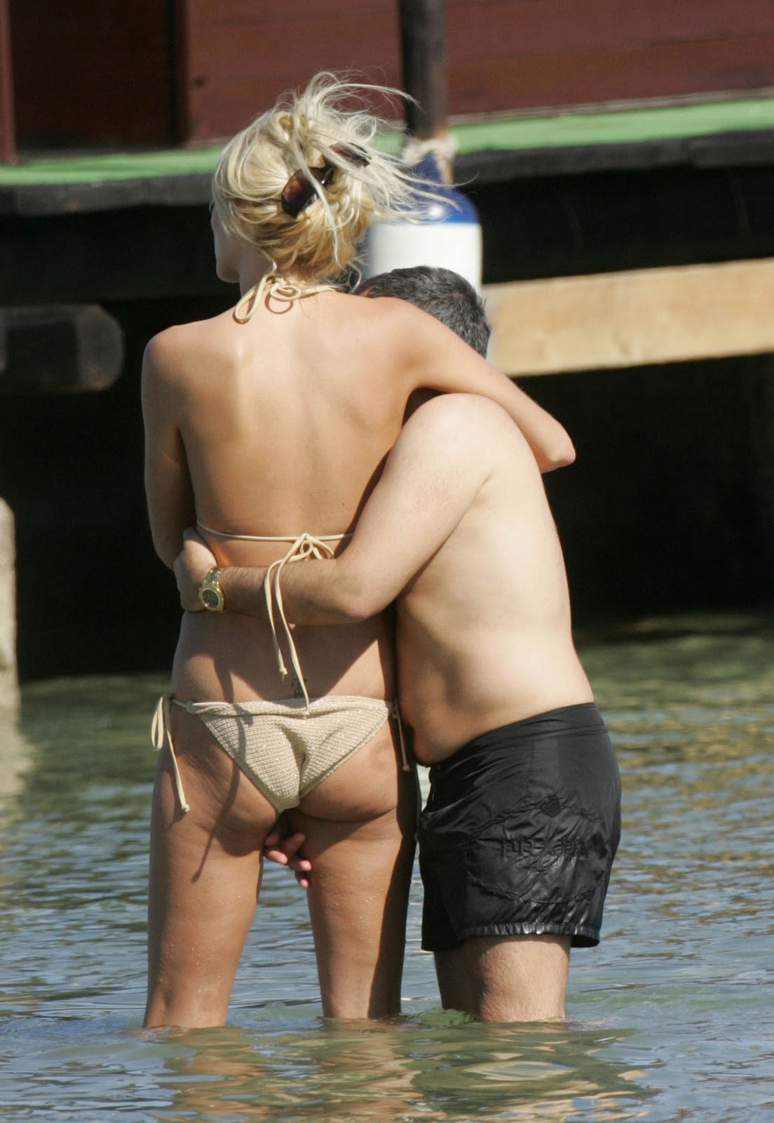 Victoria Silvstedt Clean Shaved Pussy Shot Upskirt 98