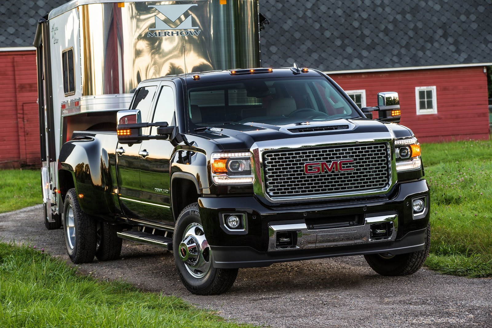 2017 gmc sierra hd receives gm 39 s new 445 hp duramax diesel v8. Black Bedroom Furniture Sets. Home Design Ideas