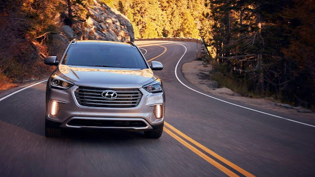 2018 Hyundai Santa FE Review  Front view